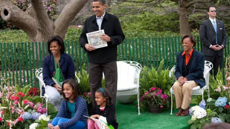 Obamas_at_White_House_Easter_Egg_Roll_4-13-09_1