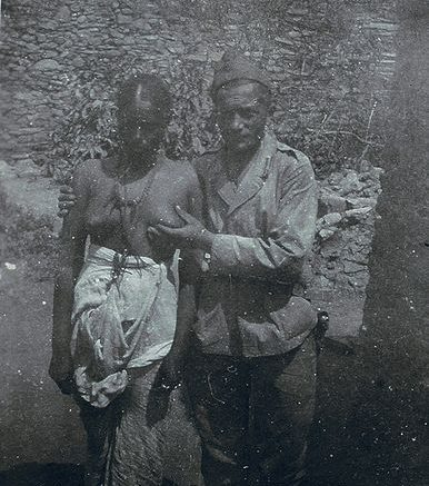 Italian_fascist_and_black_woman_in_Abyssinia_1936