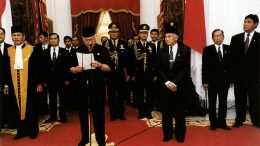 Suharto_resigns