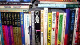 Dick_bookshelf_commons