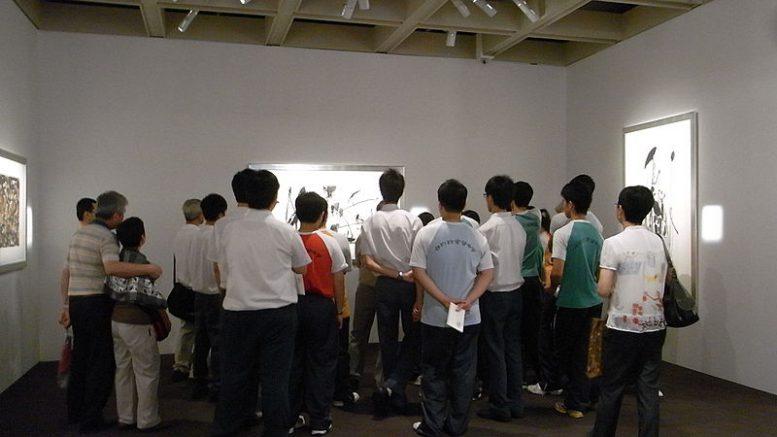 HK_TST_香港藝術博物館_Art_Museum_吳冠中_Wu_Guanzhong_artworks_student_group_visitors