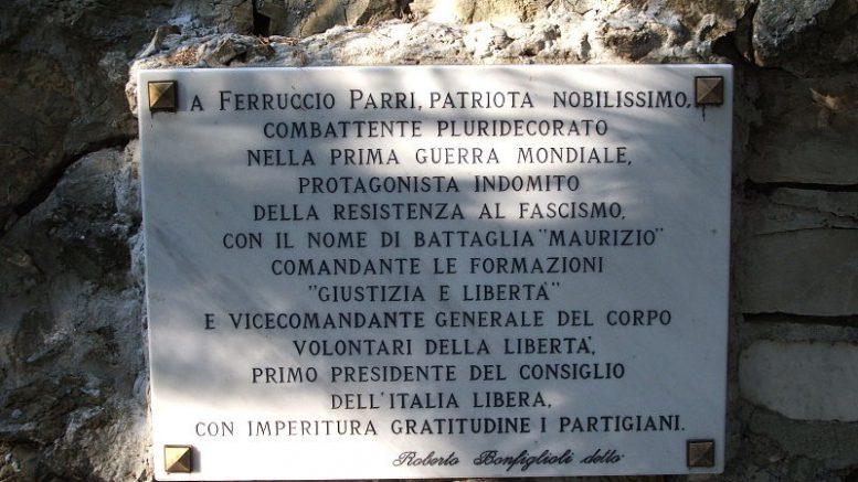 Genova-Staglieno--Tomba_di_Parri
