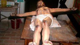 Convento_de_Nossa_Senhora_da_Caridade_-_restauração_do_crucifixo