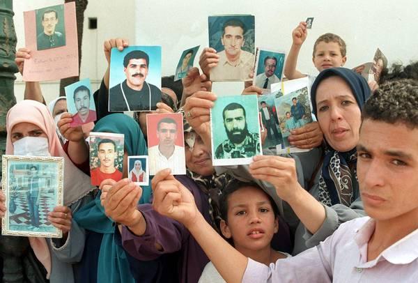 ALGERIA-DEMONSTRATION-FAMILIES
