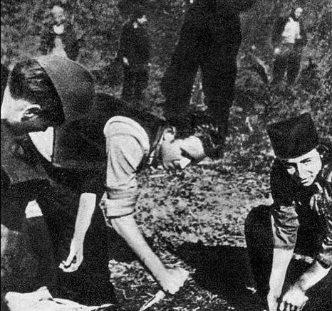 Cetnici-massacrano-i-partigiani-catturati-in-Šumadija