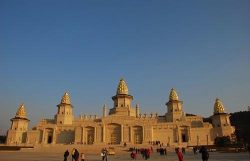 Lingshan_Brahma_Palace